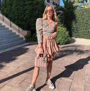 Blogger FAV Zara Asymmetrical Top Floral 2628/576